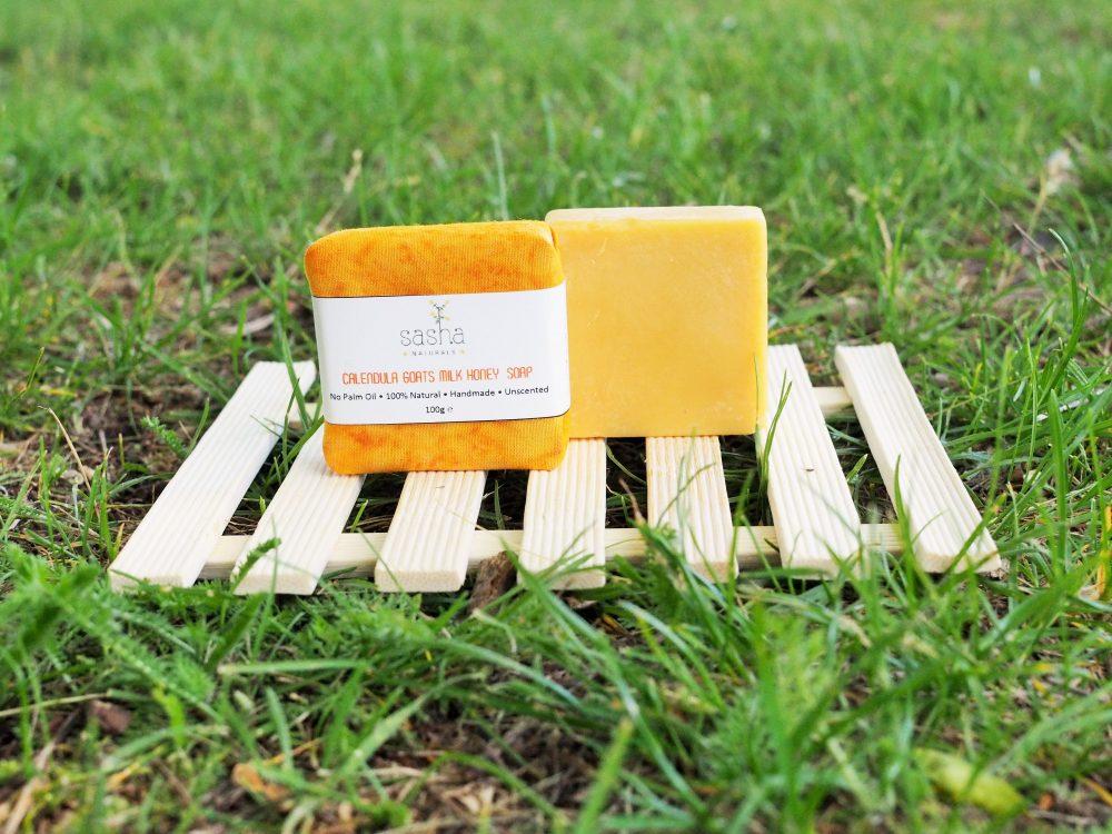 Ръчно изработен натурален сапун с невен и козе мляко за суха и чувствителна кожа