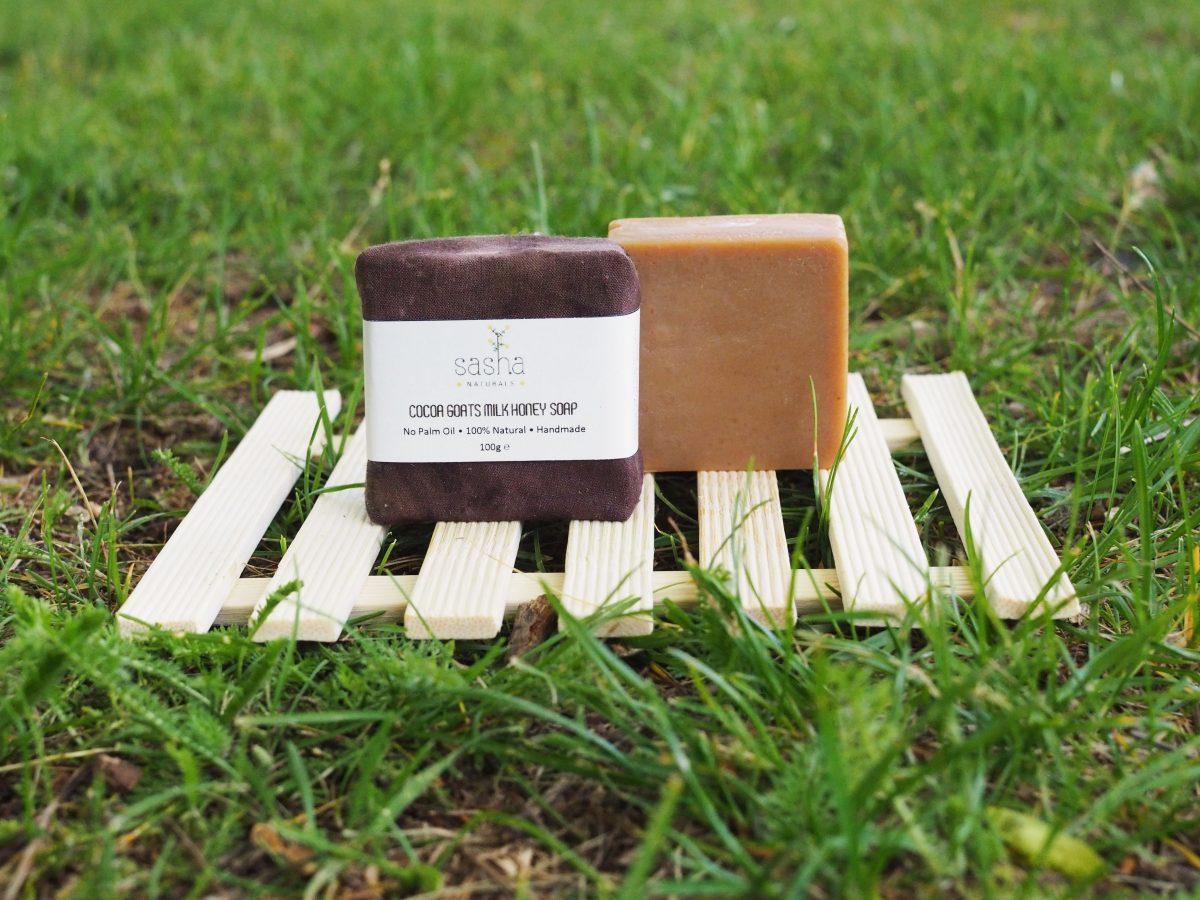 Ръчно изработен натурален сапун с какао и козе мляко за суха кожа